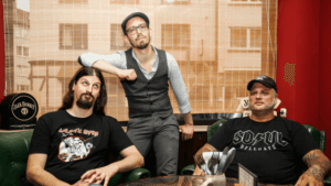 Micha-El Goehre, Zwergriese & Christian Voß im Soul Hellcafe in Essen Rüttenscheid - Titelbild vom Krawall + Zärtlichkeit Poetry Slam